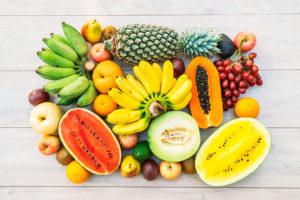 פירות על מגש
